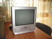 Телевизор б/у Daewoo, диагональ 38 см, небольшой, есть пульт